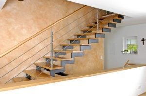 Stahl-Treppe mit Holzstufen