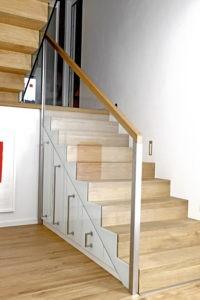 Faltwerk-Treppe mit Schrankunterbauten 1