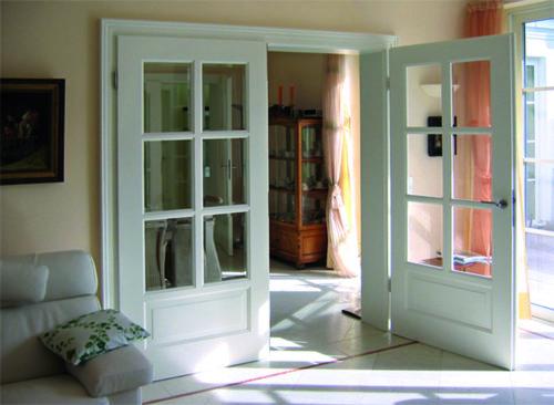 Tür weiß mit Sprossen